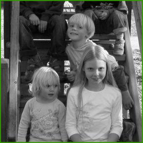 Erster Ausflug mit Joel zum Spielplatz in Wildermieming